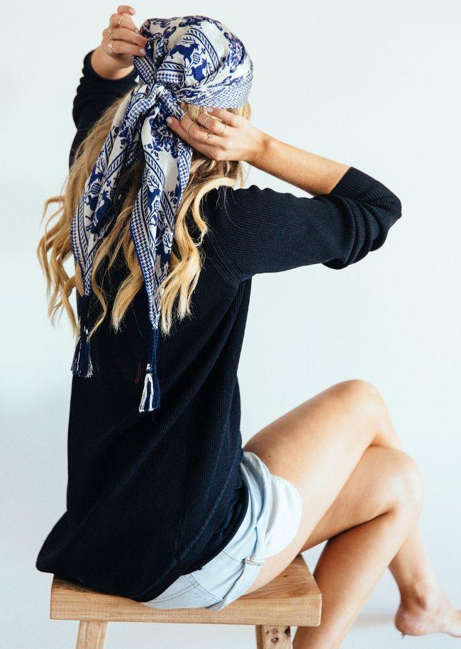 Comment faire tenir foulard qui glisse dans les cheveux