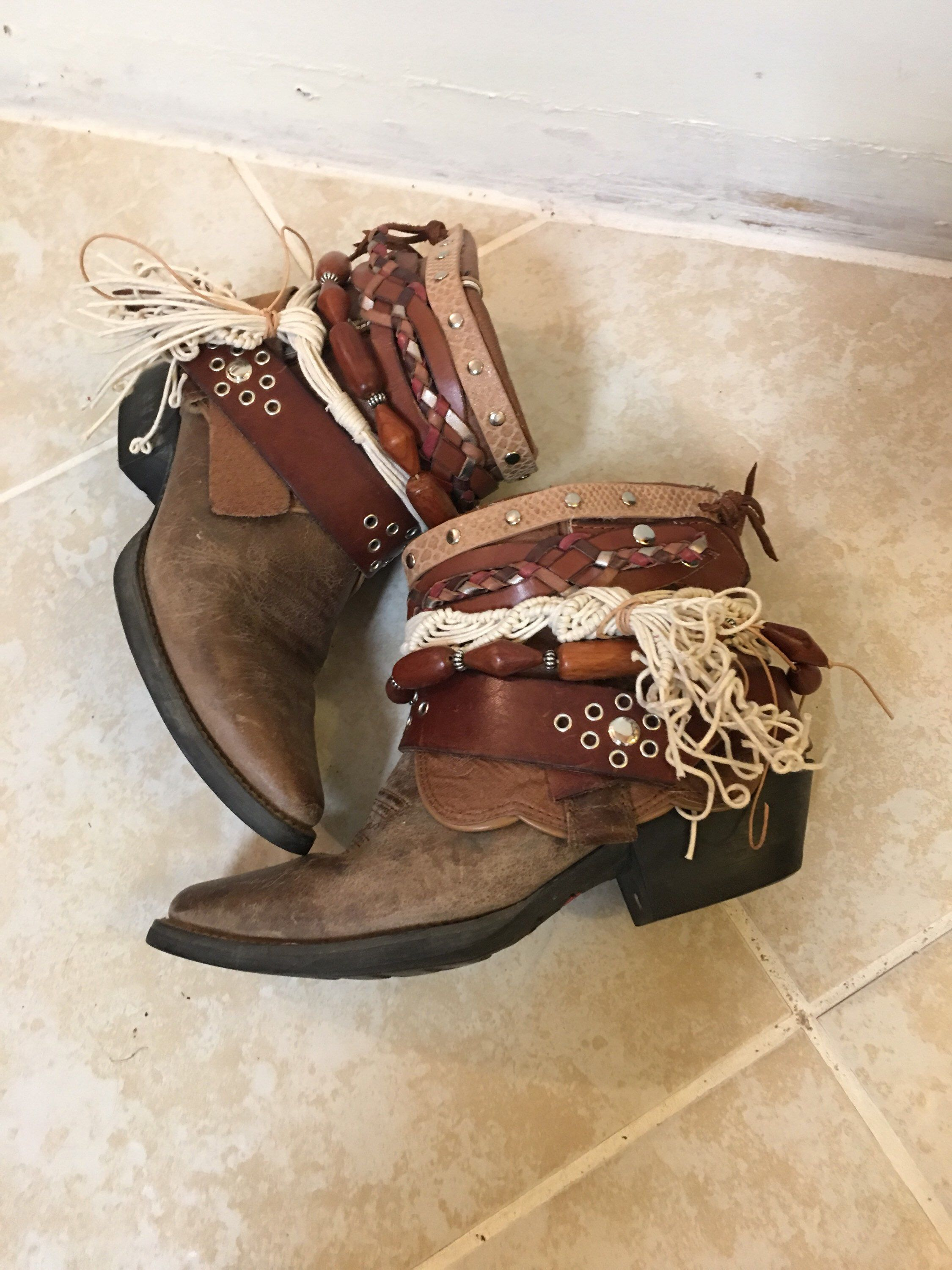 279ac9c8696 Pin by Shannon Sitser on UPCycled Cowgirl Boots | Boho fashion ...