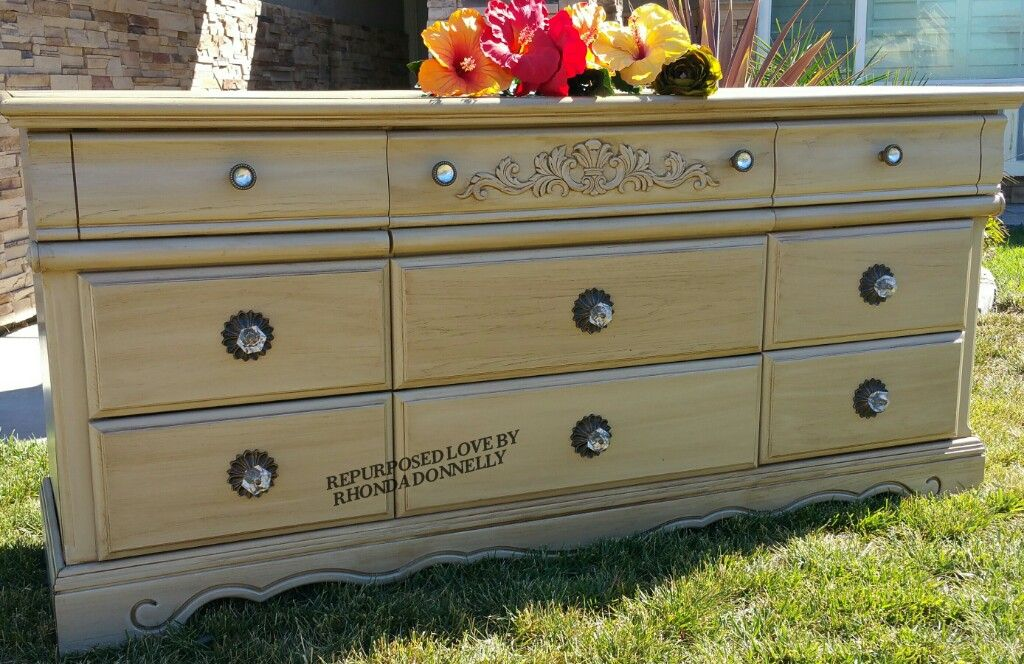 This Beautiful 9 Drawer Dresser Was Reloved In General Finishes Acrylic Milk Paint Millstone And Covered Antique Glazing New Hardware Piece Is