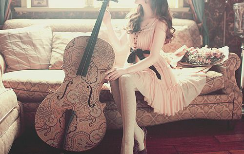 I think even I could sound great on this beautiful cello...thanks to Whispers on the Wind