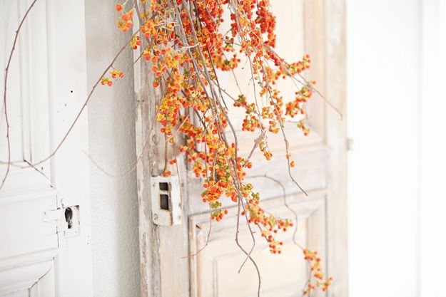 Dreamy Whites: French Farmhouse Fall Decorating......