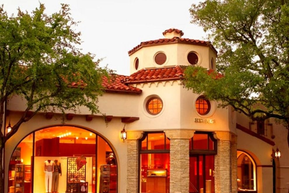Shop Until You Drop At The Best Retail Therapy Destinations Around Dallas Highland Park Village Dallas Shopping Highland Park