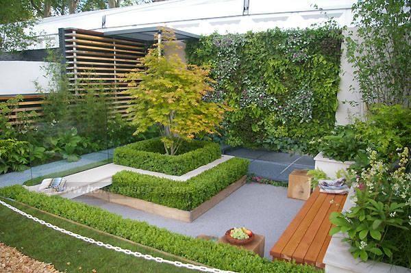 Boxwood ! Love ! Sunken seating area - Best small garden ...