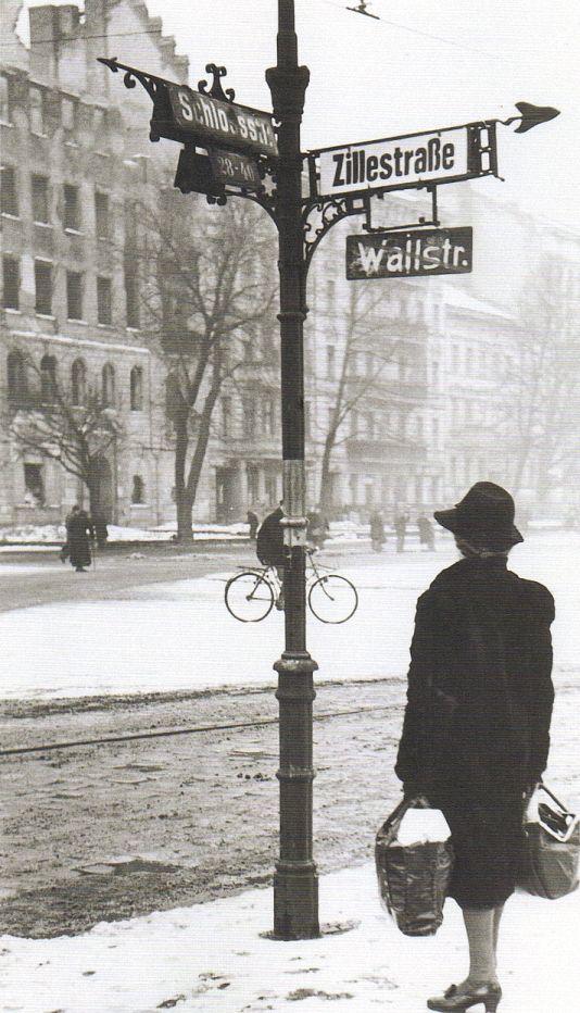 Walter Schulze, Neue Straßennamen, Berlin Charlottenburg 1947.