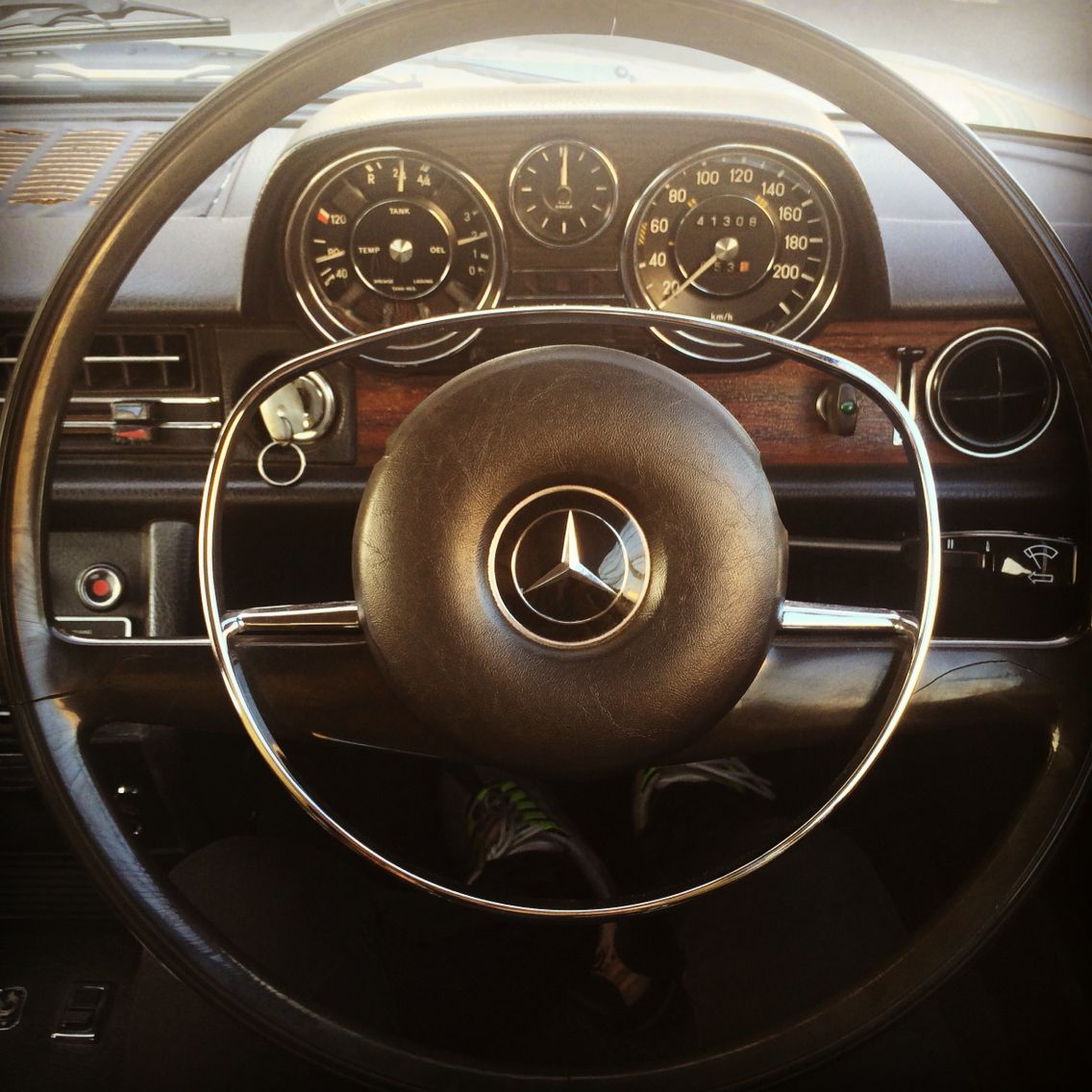 Mercedes Benz 250sl: Classic Mercedes