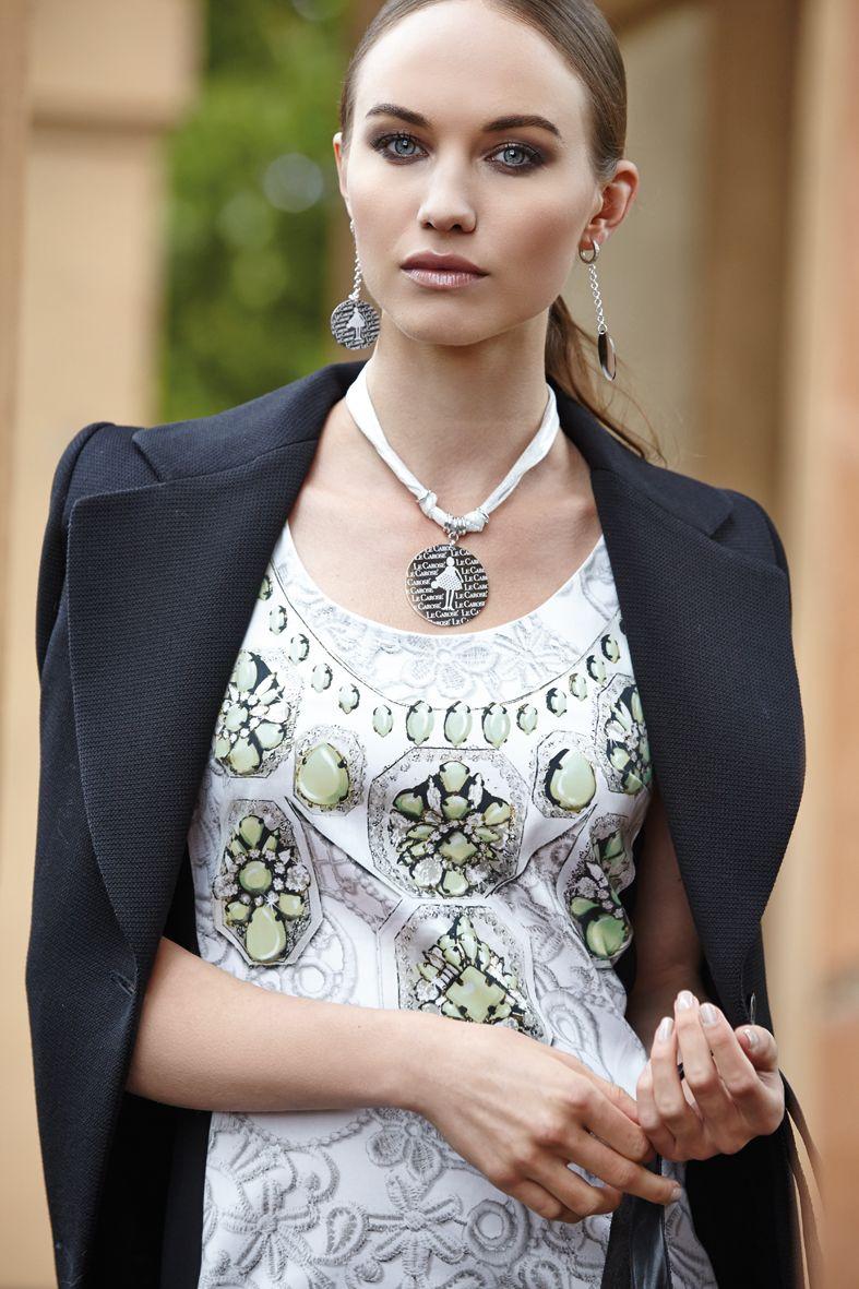 Toco d'Encanto www.facebook.com/lecarose.tocodencanto  Collezione Le Carose /Luxury -  Le Carose /Luxury collection  abito: 1 one, cappotto: mauro grifoni