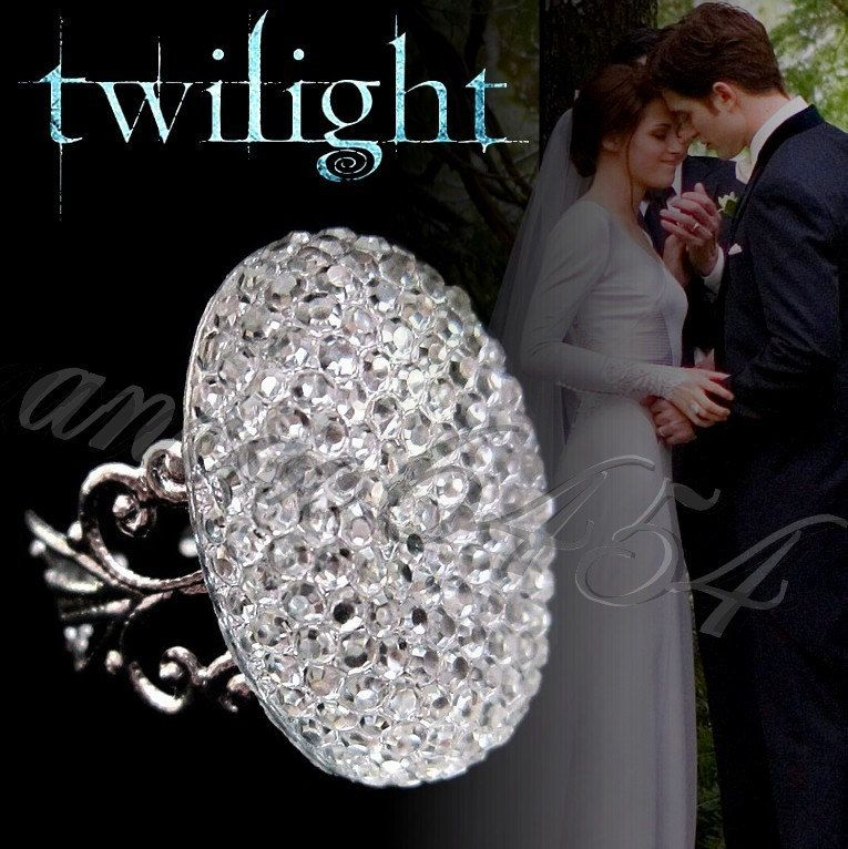 Bella Swan Engagement Ring 34