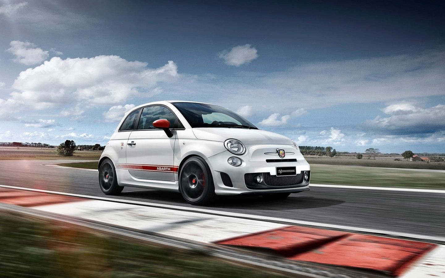 Abarth 595 Yamaha Factory Racing Edition Con Immagini
