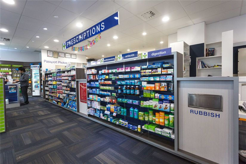 Health And Personal Care Medical Store Interior Design 013