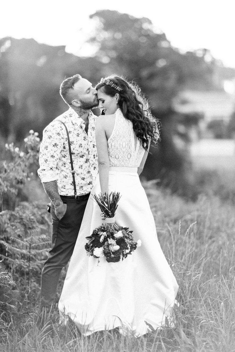 Romantic wedding pose idea