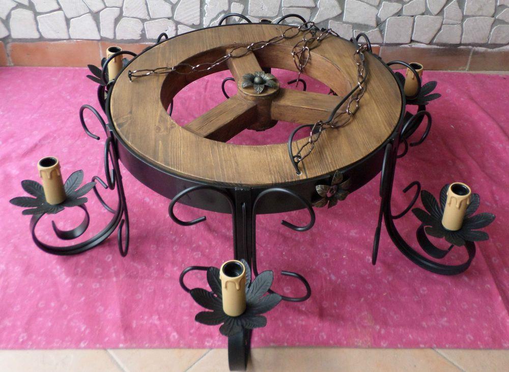 Lampadario Stile Rustico : Lampadario stile rustico ferro battuto legno ruota cucina ambienti