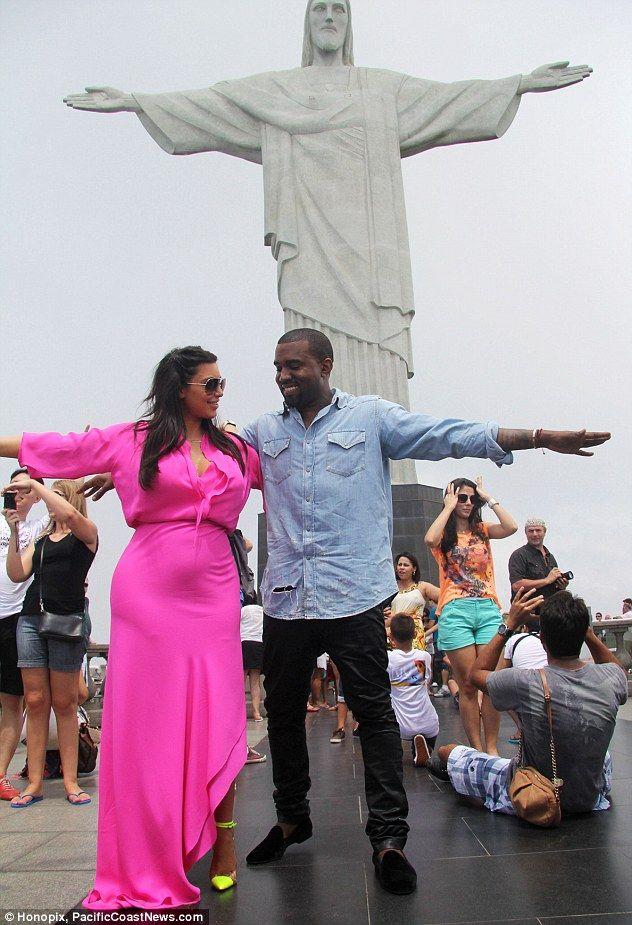 Blame it on Rio: Pregnant Kim Kardashian shows off