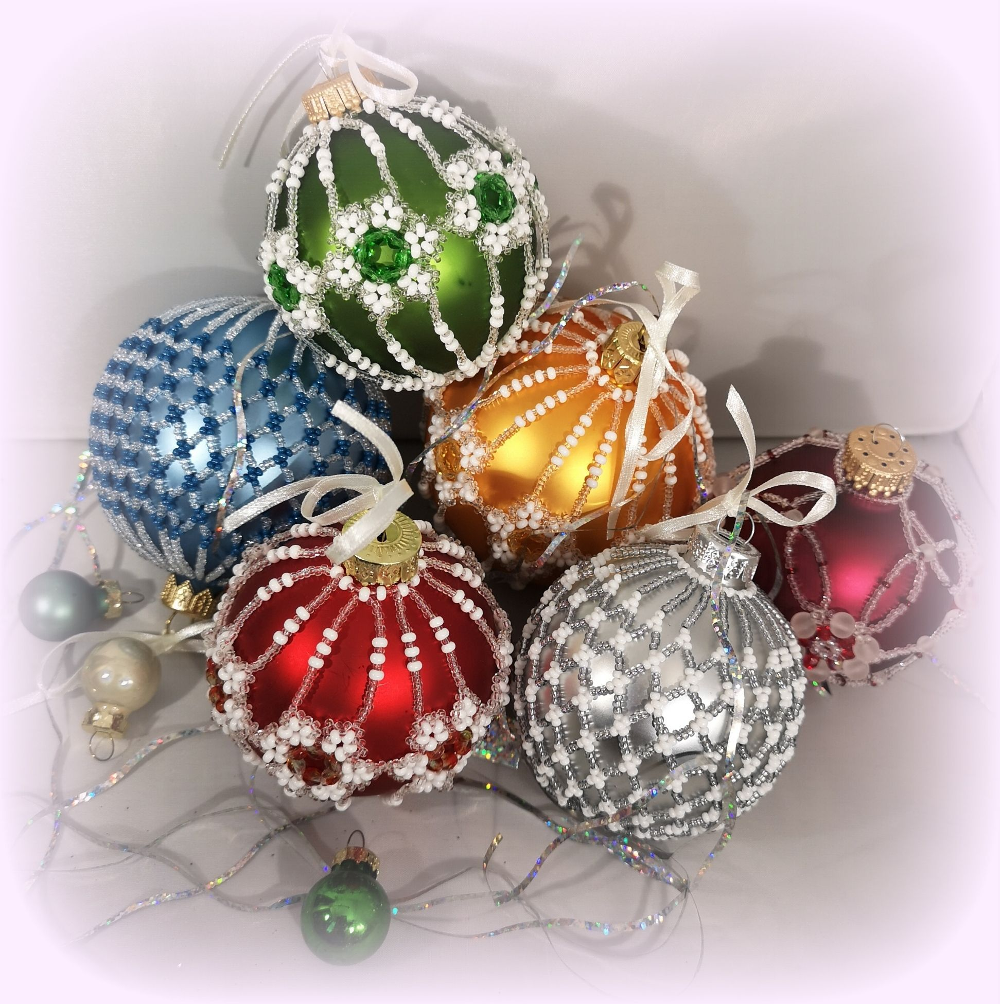 Beaded Christmas Tree Decoration Baubles Handmade Xmas Tree Baubles Decoration Perfect Gift Variety Of Colours Christmas Ornaments Bauble Christmas Tree Decorations Christmas Ornaments Christmas