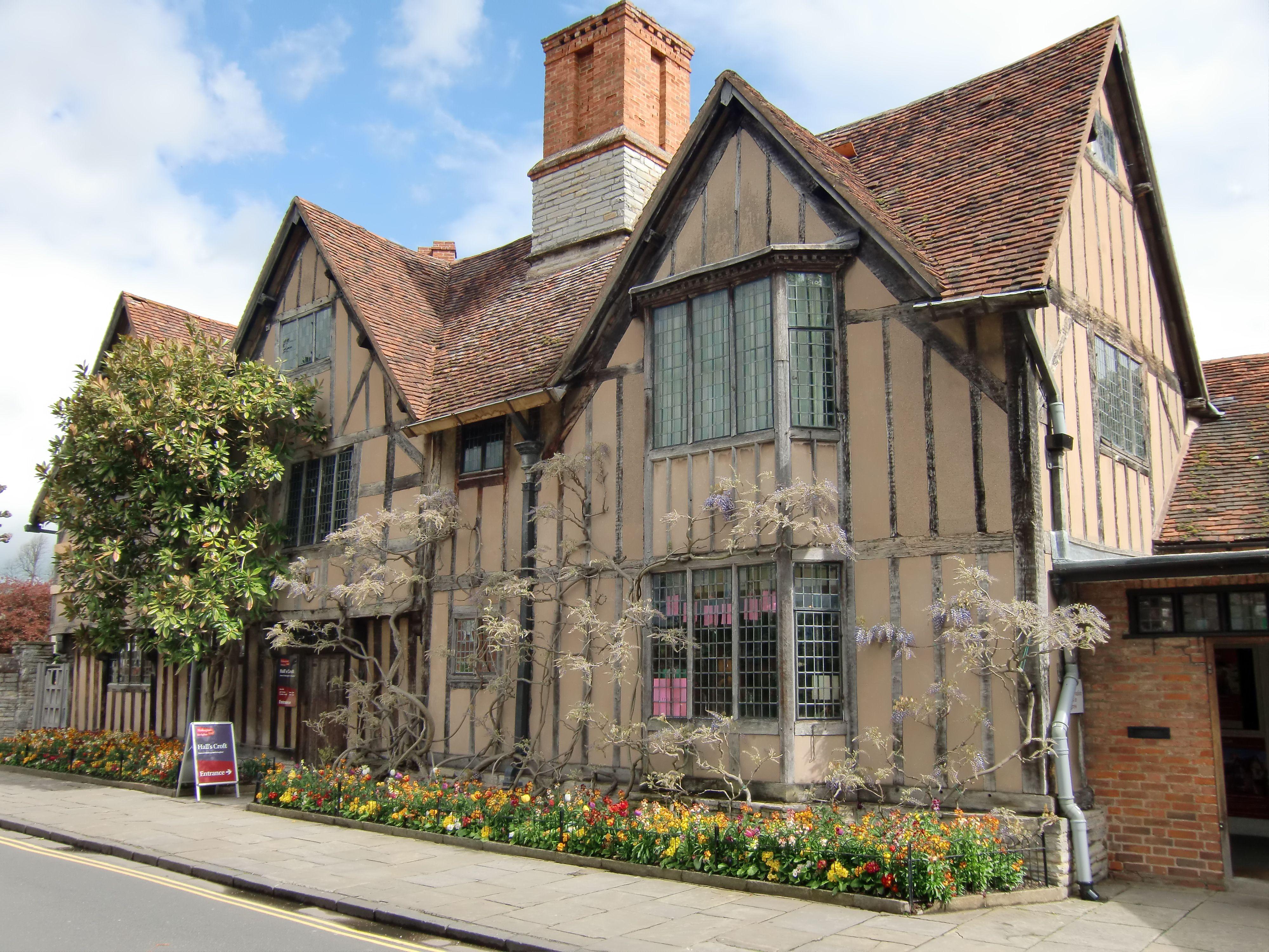 Crofts Hall, Stratford upon Avon