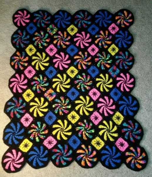This is my (TZimm) version of the Peppermint Throw by Red Heart ...