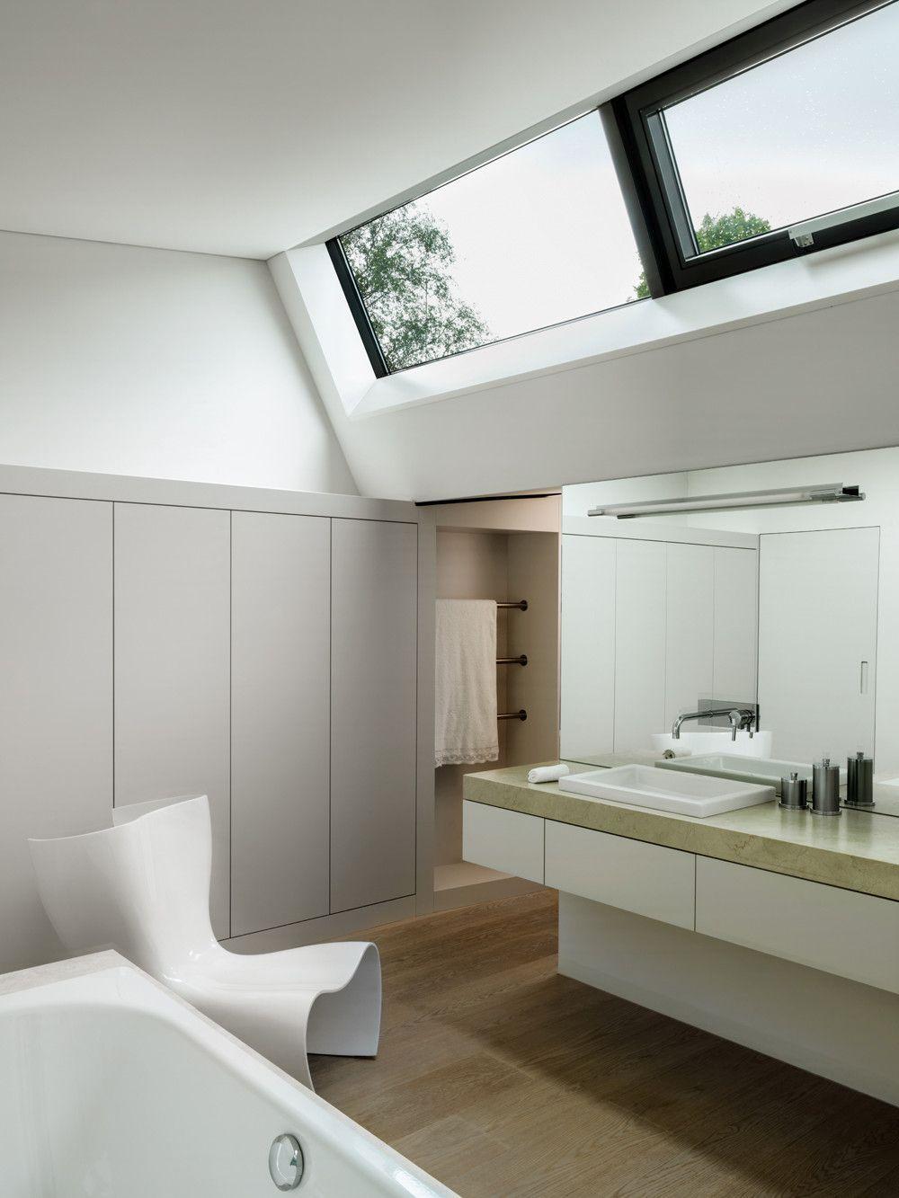 So Finden Sie Das Richtige Badezimmer Fenster Fur Ihren Stil Badezimmer Ohne Fenster Badezimmer Fenster Ideen Haus