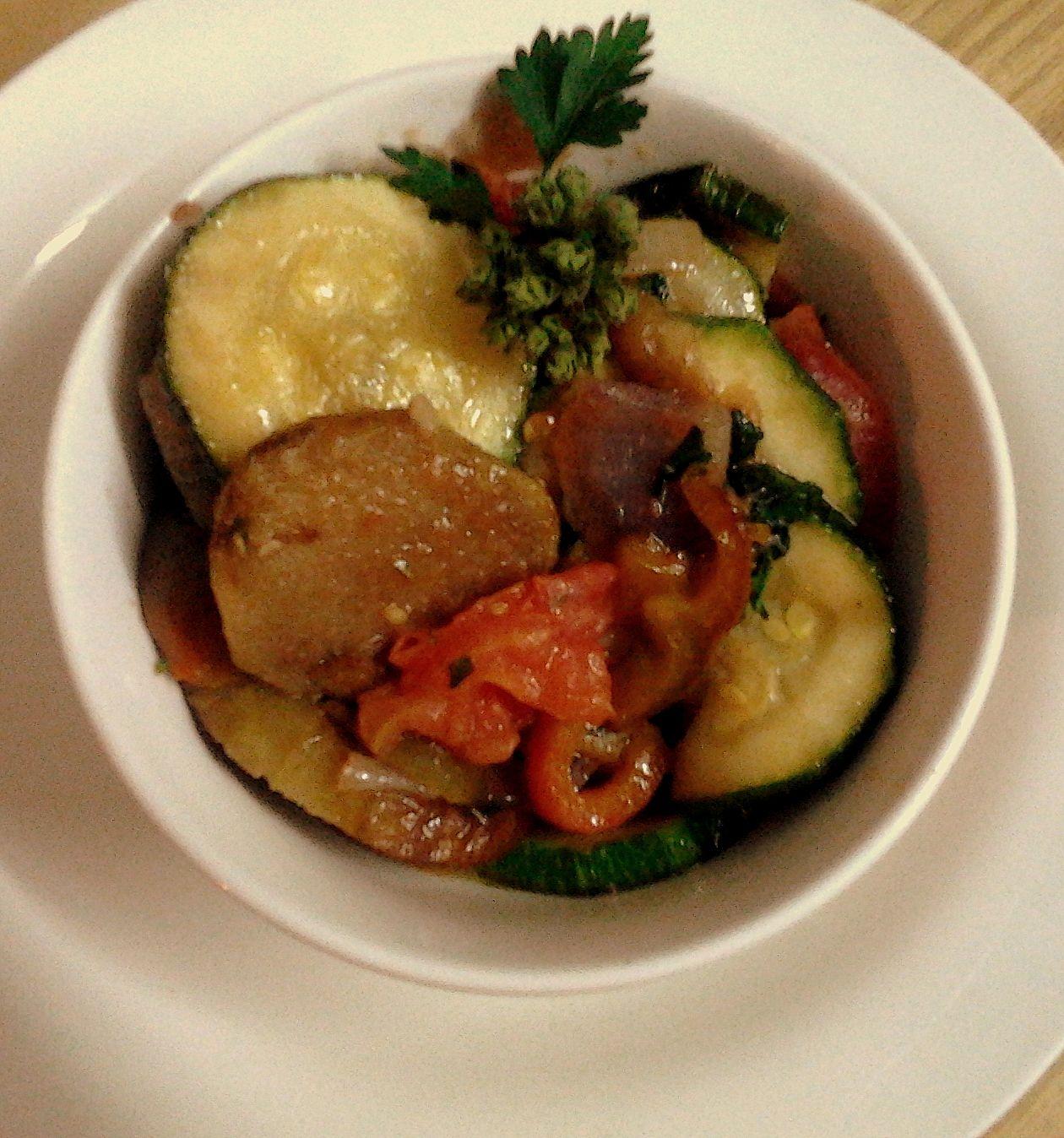 Esta es una receta de un imperdible de la cocina francesa, un plato sencillo, campesino, delicioso y saludable del sur de Francia.   Cua...
