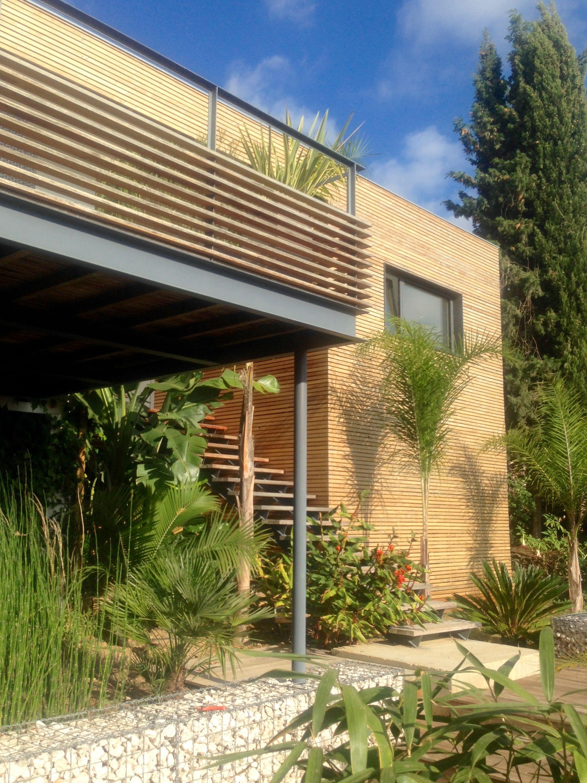 villalm f toulon var maison en ossature bois contemporaine bardage bois terrasse acier bois. Black Bedroom Furniture Sets. Home Design Ideas