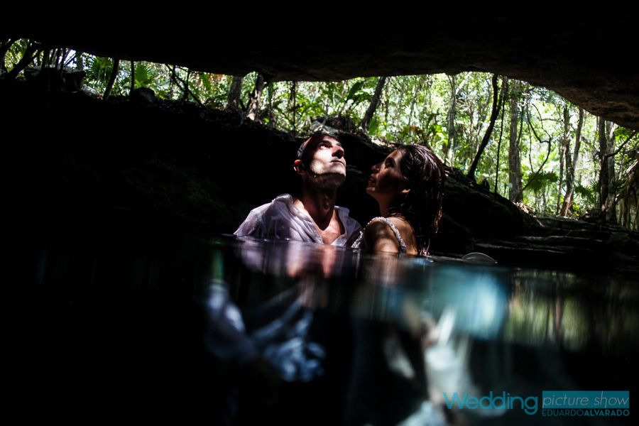 Cenote trash the dress by Wedding Picture Show