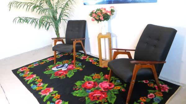 Perzisch Tapijt Goedkoop : Black kilim rug red roses rose rugs turkish kilim rugs floral rugs