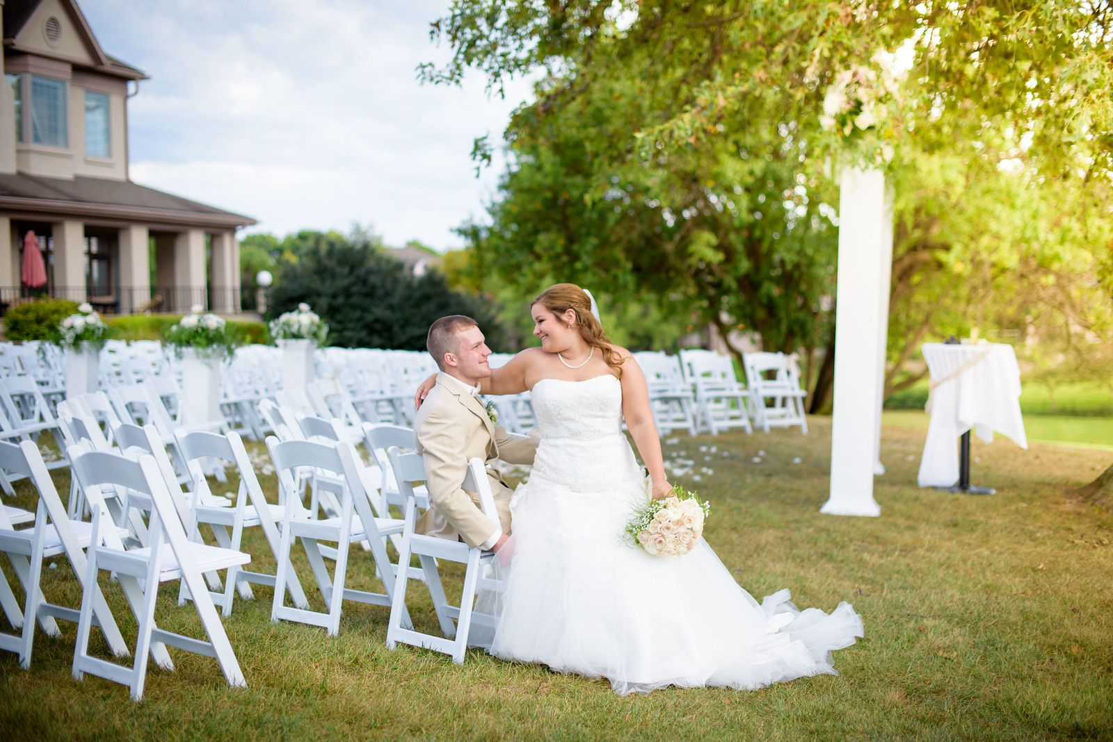 Manley wedding at Oxmoor country club Photography by shannon