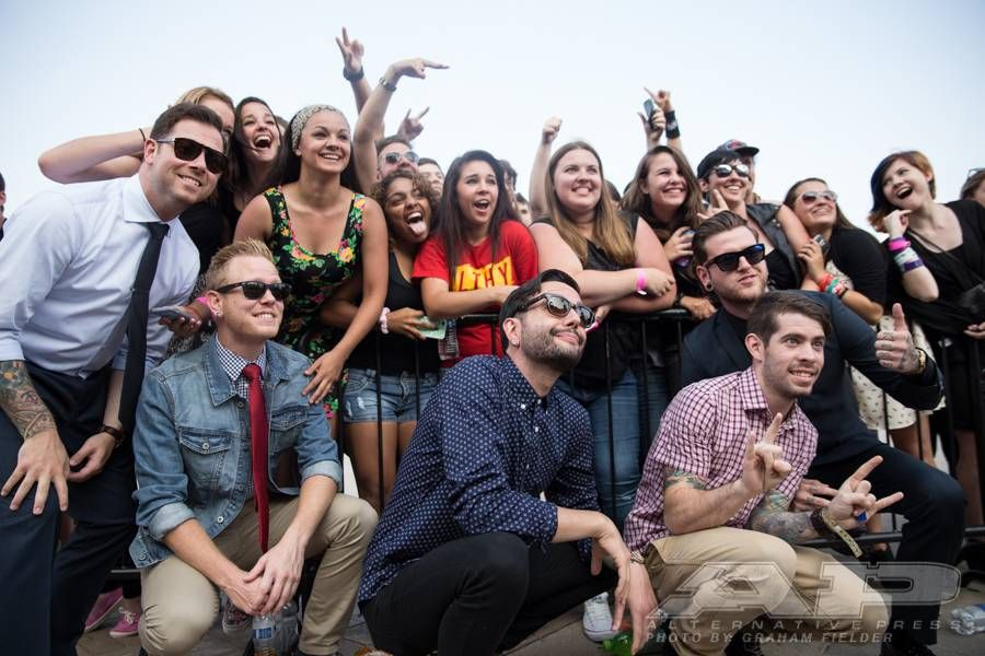 Walk The Red Carpet With This Exclusive Apmas Gallery Ap Music Awards A Day To Remember Music Awards 2014