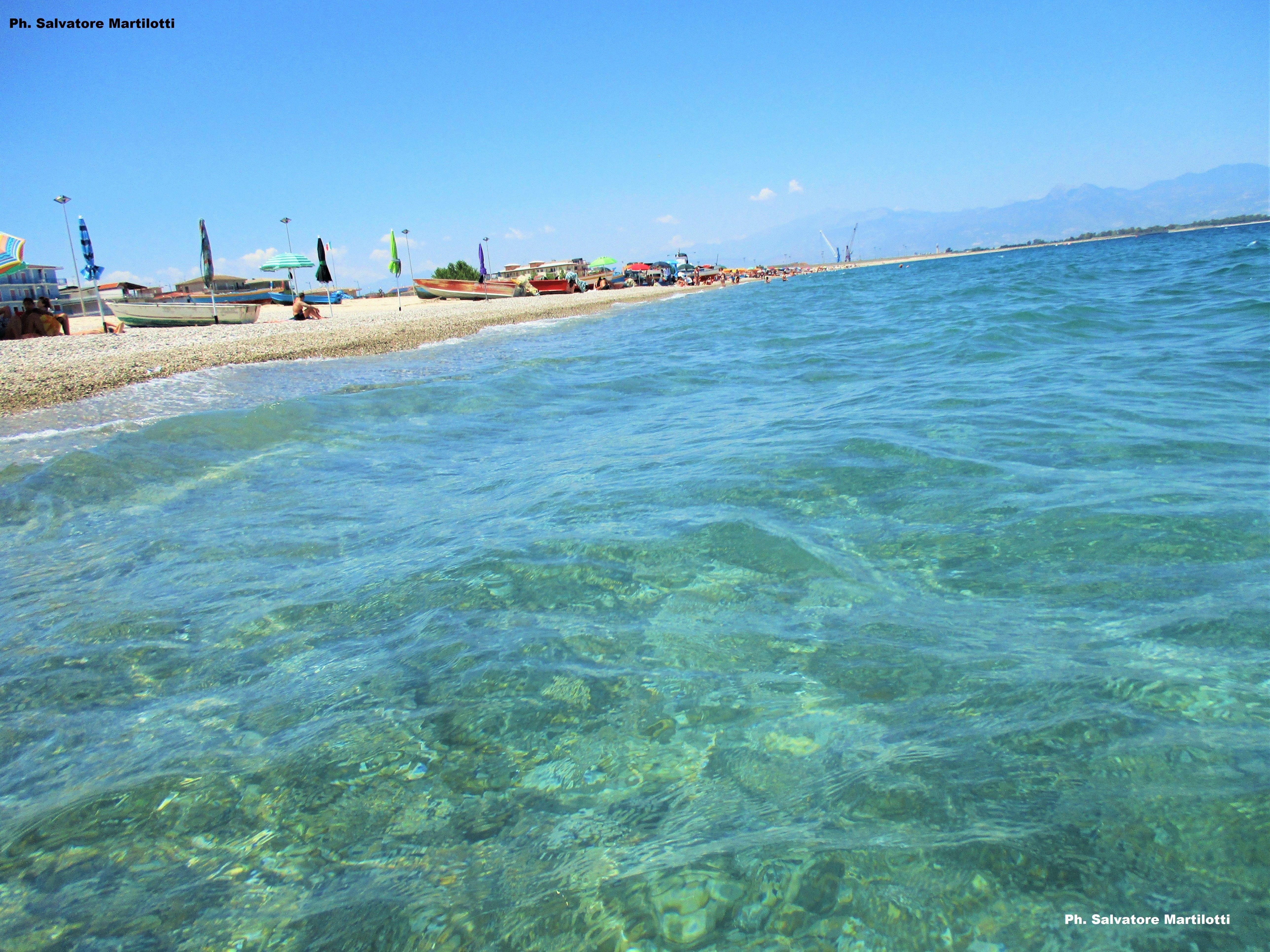 Calabria ionica/Schiavonea, Il mare e la spiaggia del borgo marinaro sono un vero incanto! Ph. Salvatore Martilotti