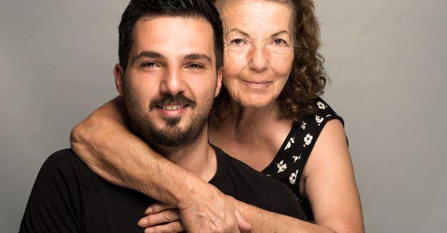 Estudio: 1 de cada 6 hombres tiene un enamoramiento idílico con su madre y piensa más en ella que en su esposa