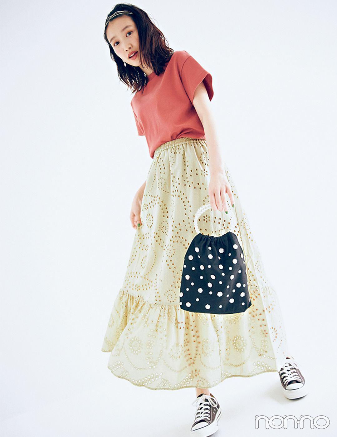 カットワークレースのスカートときれい色tで今っぽフェミニン 毎日コーデ ファッションアイデア レーススカート カットワーク