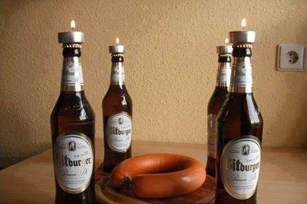 der m nner adventskranz mit fleischwurst bier und. Black Bedroom Furniture Sets. Home Design Ideas