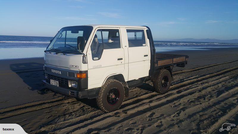 Toyota Hiace 4wd flat deck 4 door 1988 Trade Me オフロード