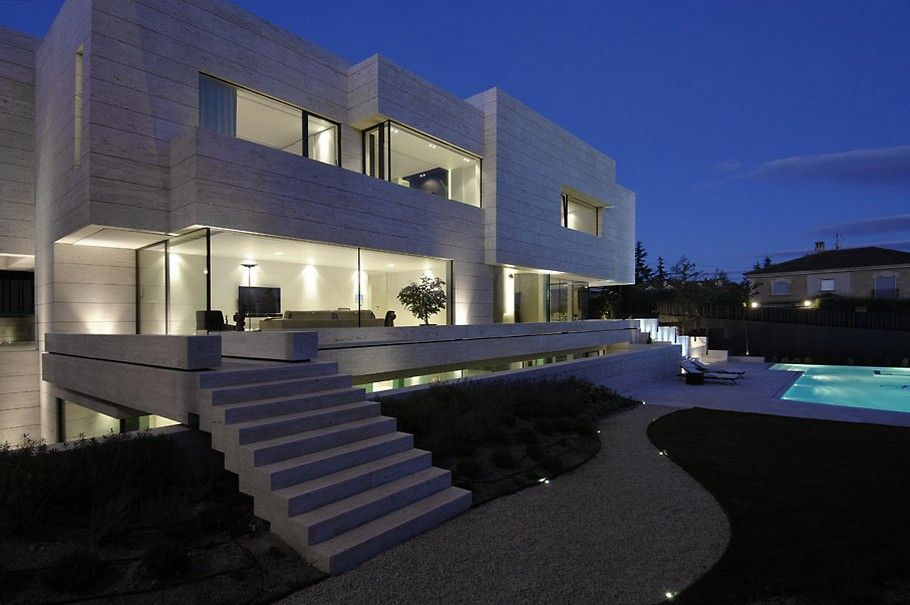 House in las rozas is a built set of integrating volumes and sheets designed by a cero architects situated in the township of las rozas in madrid spain