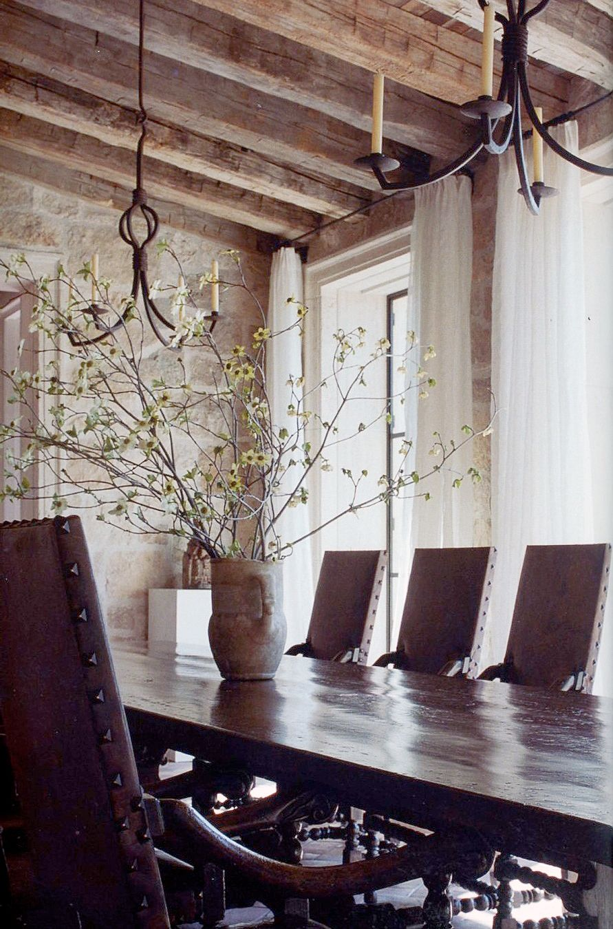 Dining room by atelier am via mark d sikes home design for Mark d sikes dining room
