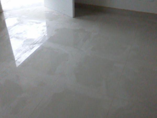 Sala para 02 ambientes com piso porcelanato!!!