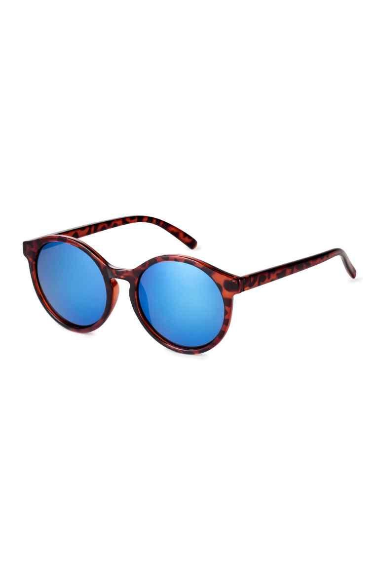 4db4d6a70ccbb Óculos de sol   H M   Coisas para comprar   H m, Travel attire e ...