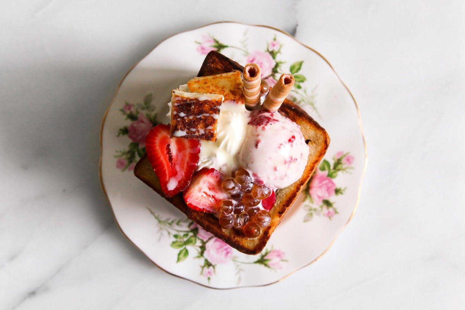 Strawberry Toast Box Di 2020