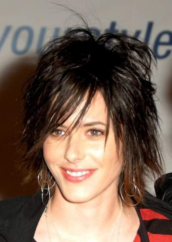 Short Choppy Hairstyles With Bangs My Style Pinterest Choppy