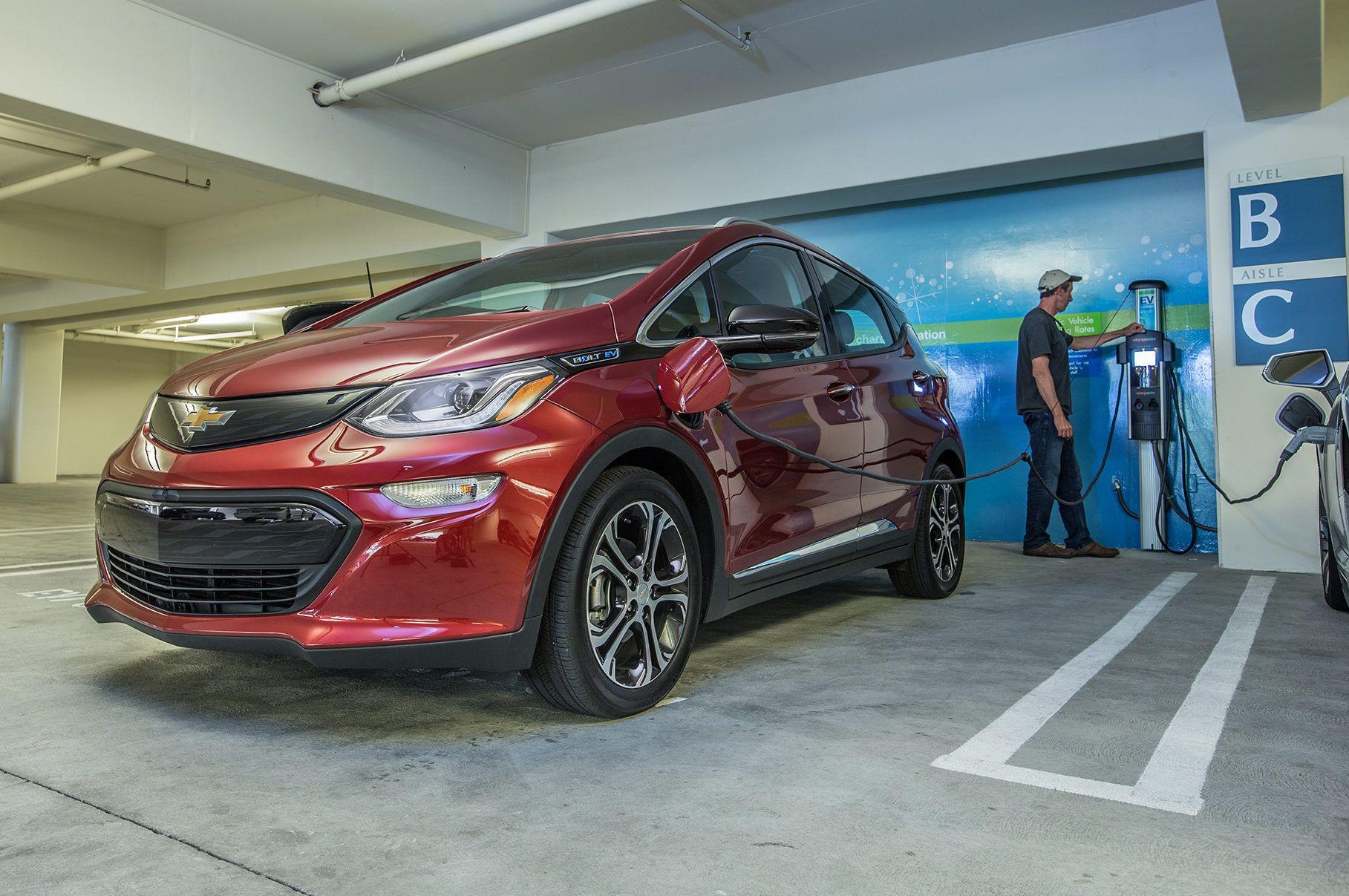 2017 Chevrolet Bolt Ev Review Long Term Update 1 Chevrolet