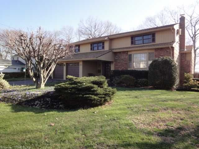 Home For Sale At 211 Lamplighter Ln In Newington Ct For 299 500 Century 21 Clemens Sons Century 21 Real Estate Real Estate Local Real Estate