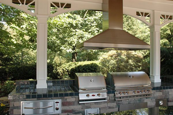 How To Transform Your Yard Into An Outdoor Living Space Free Guide Outdoor Kitchen Design Outdoor Living Outdoor Kitchen Design Layout