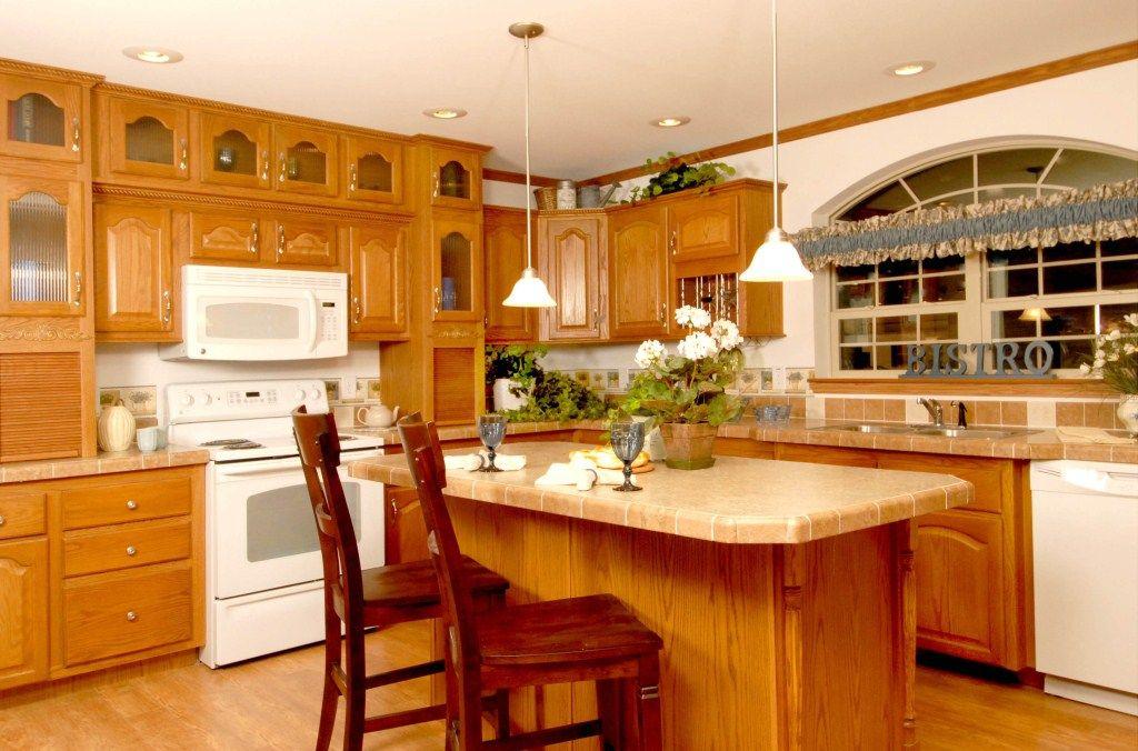 The Kingsford AU151A Kitchen an Aurora Classic Ranch ...