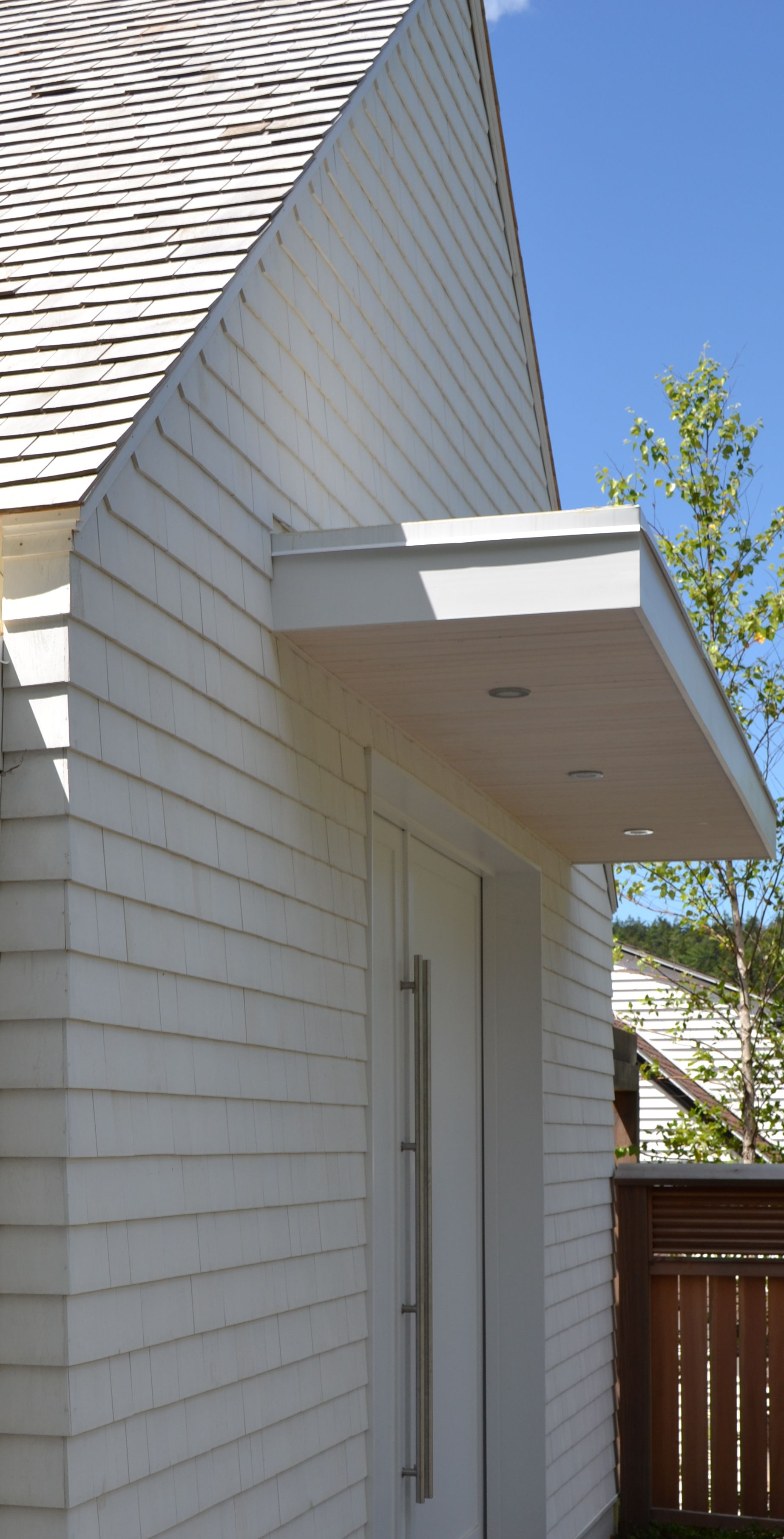 Solid Stained Eastern White Cedar Shingle Siding 5
