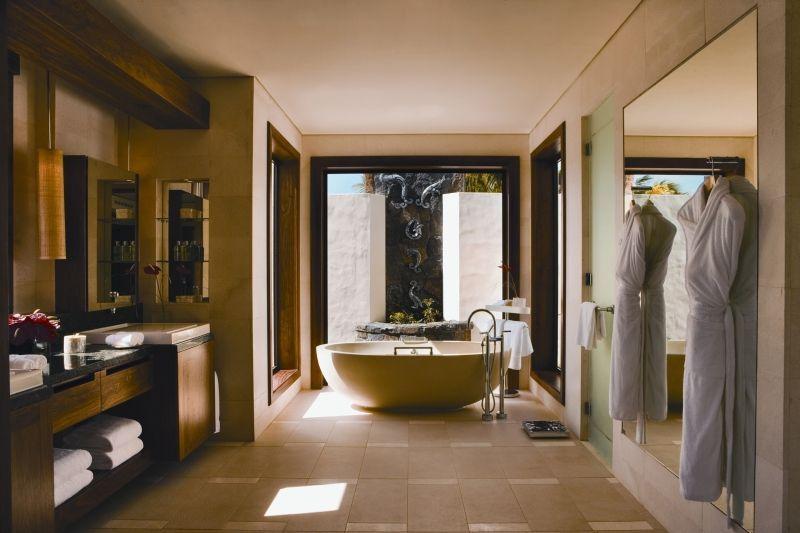 Großzügiges Badezimmer im Hotel Le Touessrok (Ostküste Mauritius - badezimmer design badgestaltung