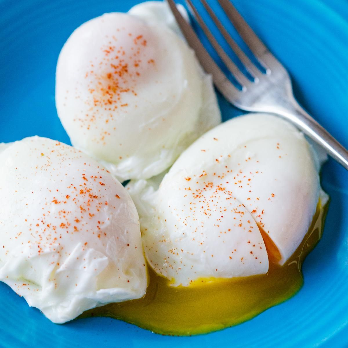 Poached Eggs Recipe (How to Poach Eggs)