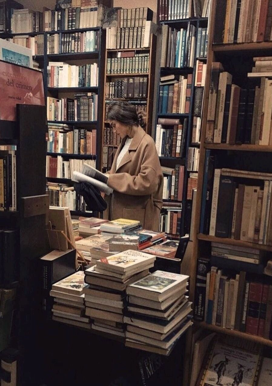 Bookshop Library Girl Dark Academia Aesthetic Book Books Reading Read Old Vintage Study In 2020 Book Aesthetic Light In The Dark Dark Aesthetic