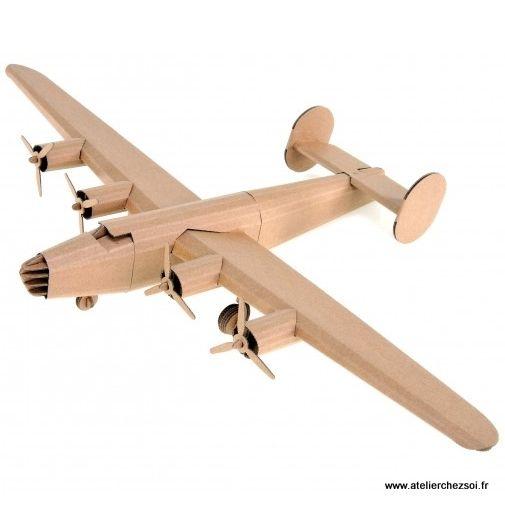 avion en carton liberator construire leolandia maquette en carton de l 39 atelier chez soi c. Black Bedroom Furniture Sets. Home Design Ideas