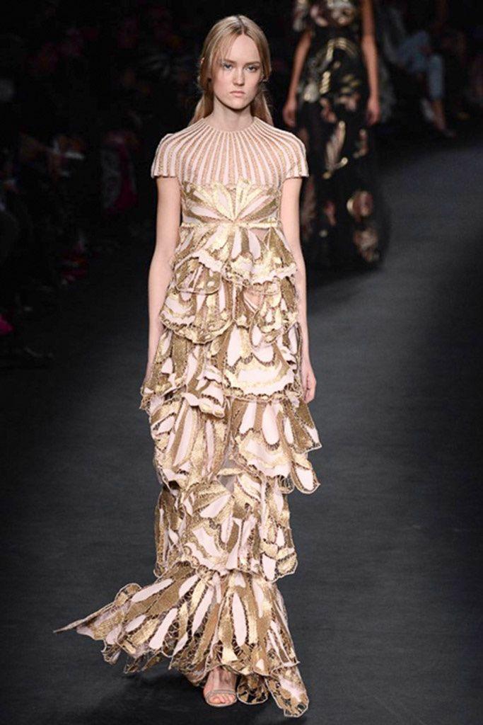 Valentino (FW 2015-16) #PFW #weddingguest #vestidodefiesta #vestidosinvitadas #tendenciasdebodas