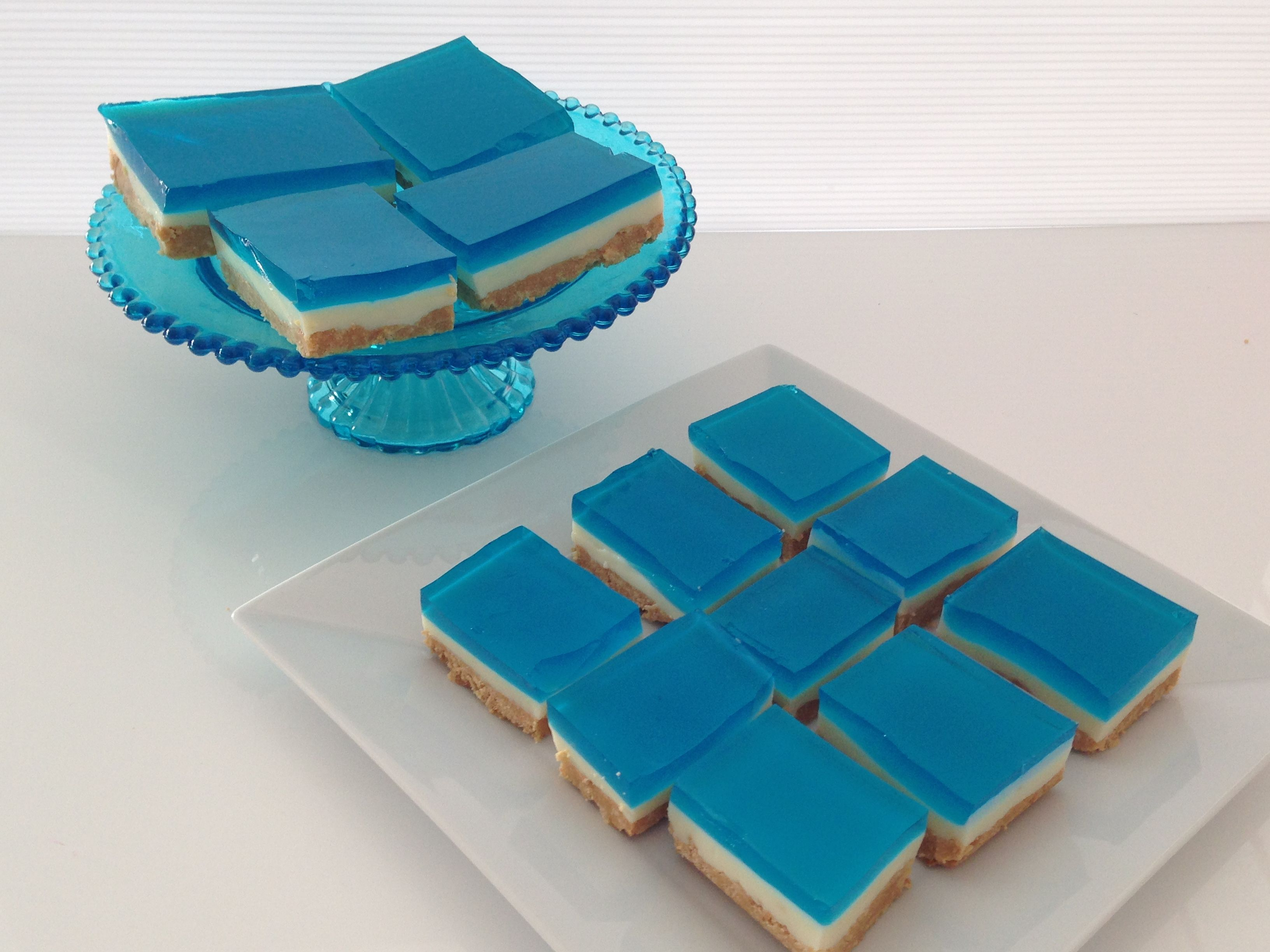 frozen treats ice blue jelly slice click here to see how to make this http youtu be qwpv0stclcm jelly slice cookie monster party how to make jelly frozen treats ice blue jelly slice