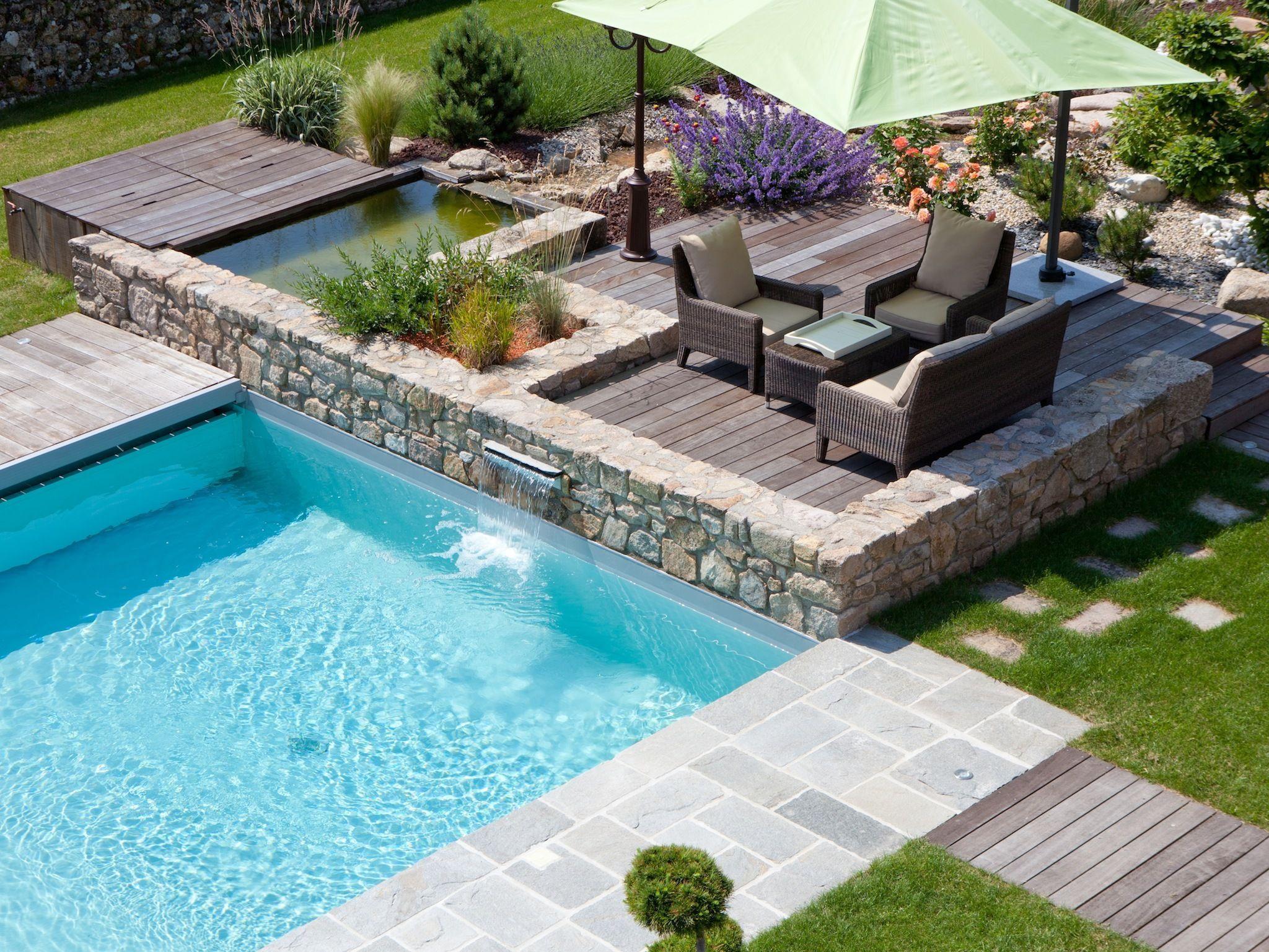 La piscine paysag e par l 39 esprit piscine piscine 6 x 5 m rev tement gris clair escalier d - Piscine hors sol avec escalier interieur ...