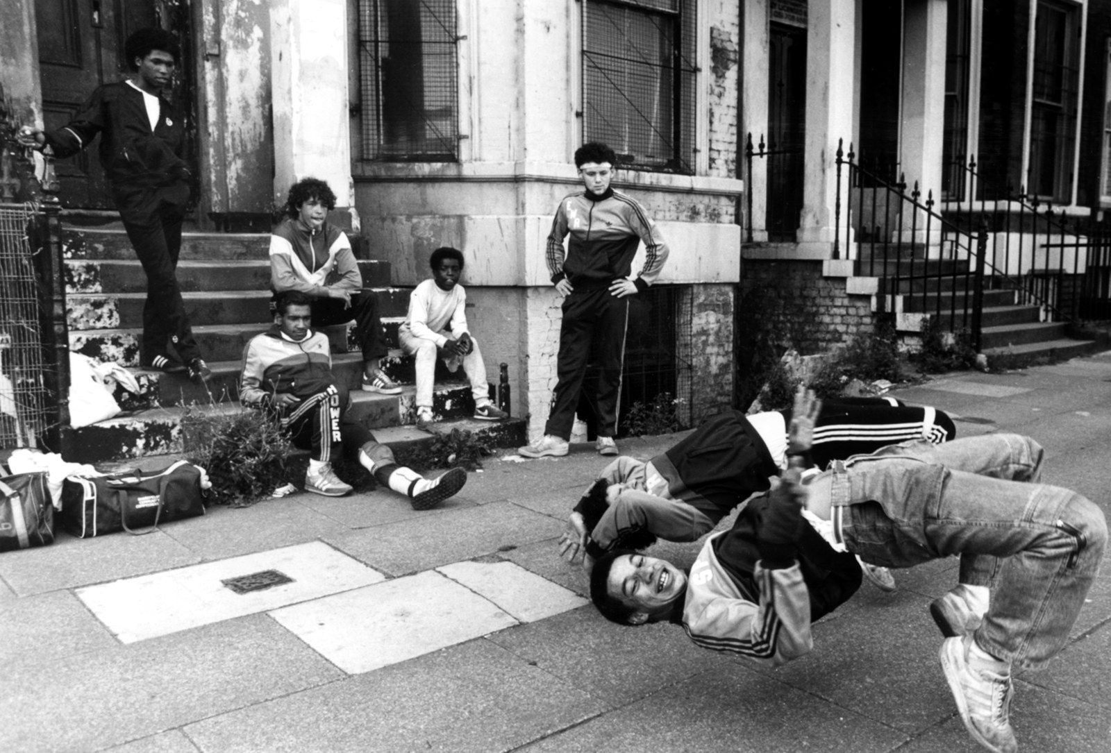 23 Badass Photos From The Early Days Of Hip Hop Break Dance Hip Hop Culture Hip Hop